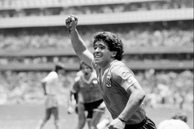 Аргентина лигасына Диего Марадонаның есімі берілді