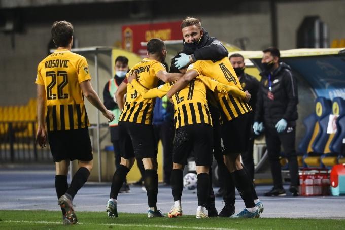 Шпилевский: «Қайрат» ешкім көрмеген заманауи футбол көрсетуде»