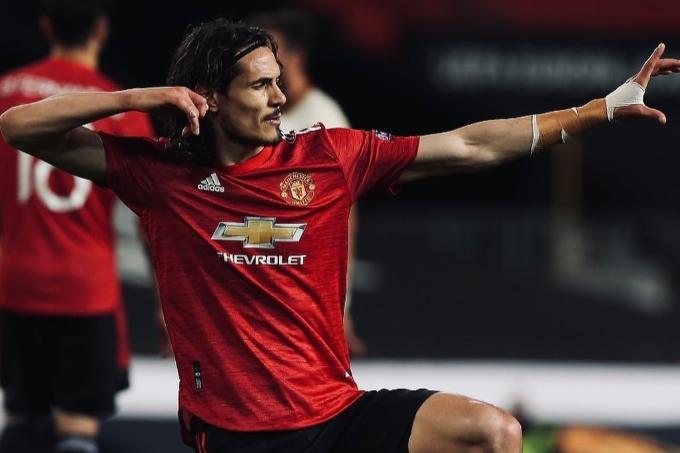 «Манчестер Юнайтед» Каванимен келісім-шартты ұзартты