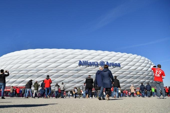 «Бавария» стадионы ЛГБТ қозғалысының түстерімен боялады