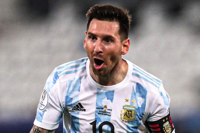 Аргентина Америка Кубогіндегі алғашқы матчында Чилимен тең ойнады