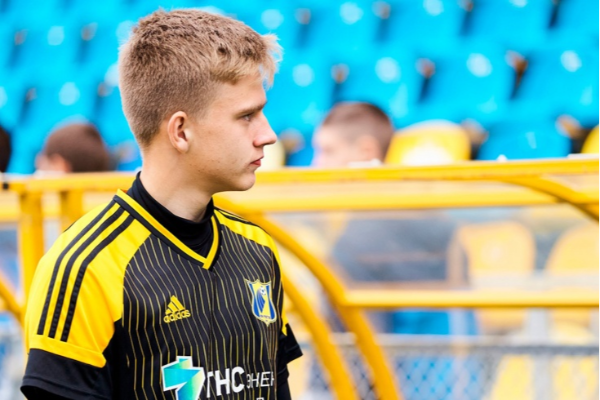 «Ростовтың» 17 жастағы қақпашысы Попов Instagram-да жазылушылар саны бойынша «Сочиден» озып кетті