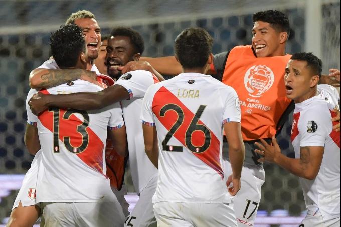 Парагвайды пенальти сериясында жеңген Перу құрамасы жартылай финалға өтті